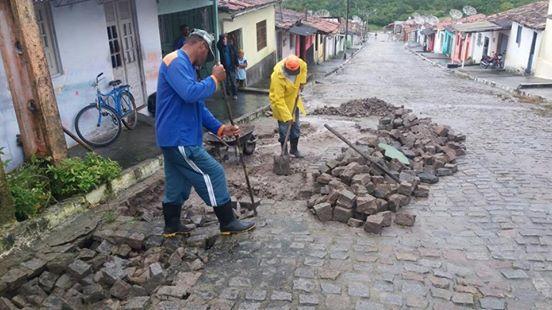 RUAS DE ANGELIM ESTÃO SENDO RECUPERADAS